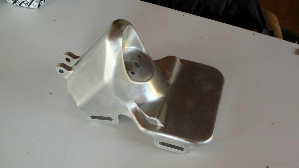 Alcune parti in alluminio lucidato a specchio super 3d - Alluminio lucidato a specchio ...